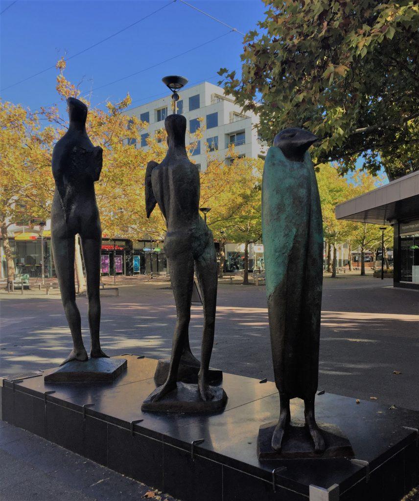 シドニー発帰り観光 週末のキャンベラの歩き方