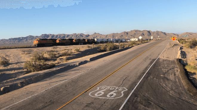 【アメリカ横断#14日目 後編】 キングマンからルート66サインを探して